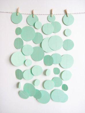Mint Green Paper Garland von MintAfternoon