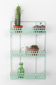 Triple Decker Shelf von Urban Outfitters