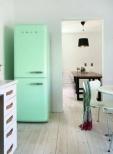 Smeg-Kühlschrank in Mint.