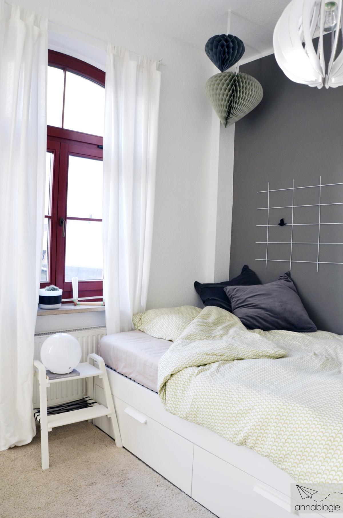Kühles Grau im Schlafzimmer