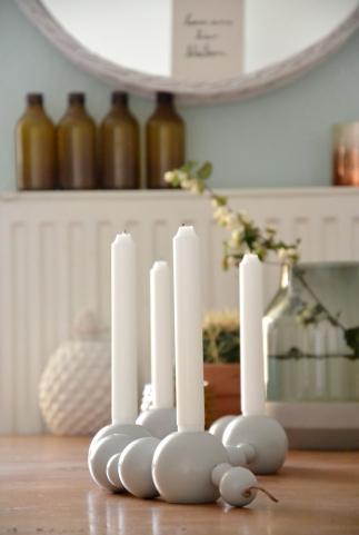 ferm living Kerzenhalter auf dem Esstisch