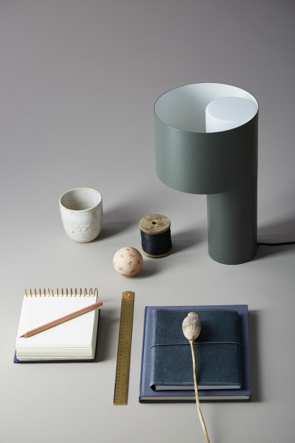 Tangent Table Lamp von WOUD